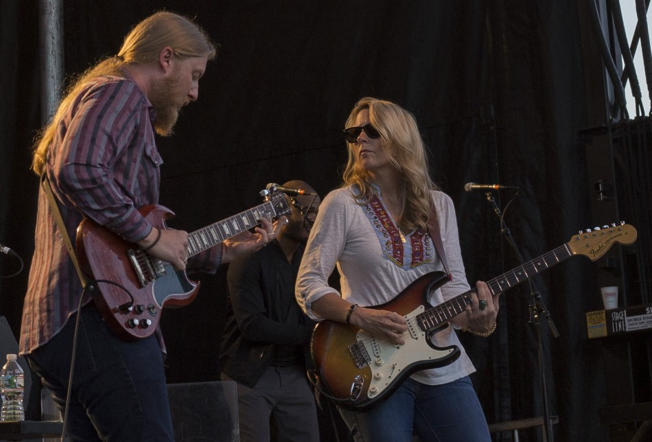 Derek_Trucks_and_Susan_Tedeschi_1