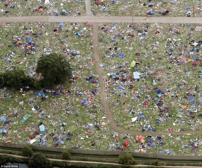 reading-festival-rubbish