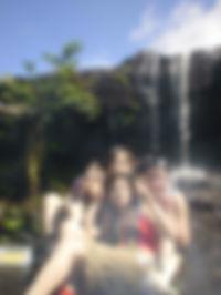 滝に打たれた記念撮影