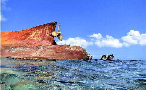 座礁船2.jpg