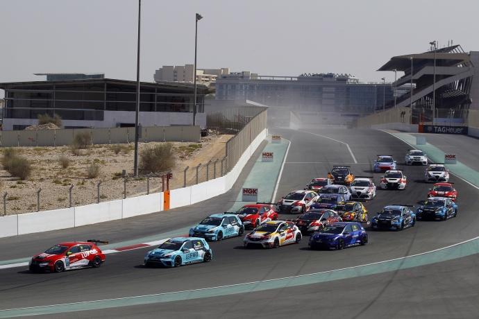 2017-2017 Dubai Race 1---Start Race1_8