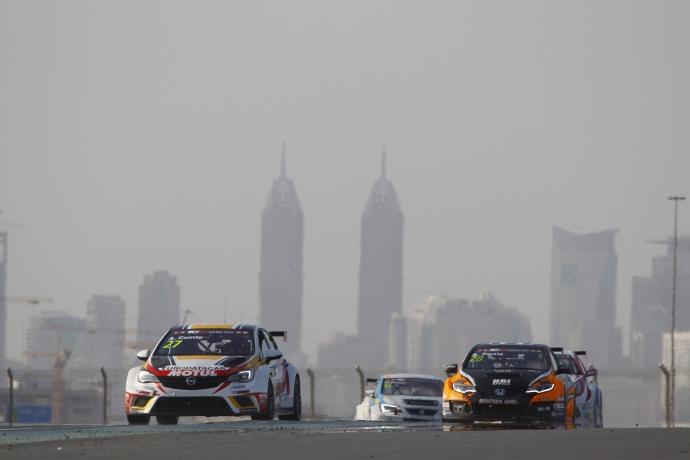 2017-2017 Dubai Race 2---27 Aurelien Comte_90