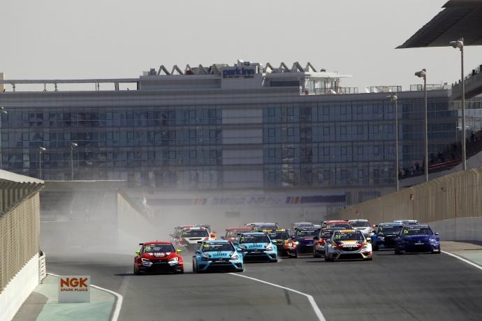 2017-2017 Dubai Race 1---Start Race1_3