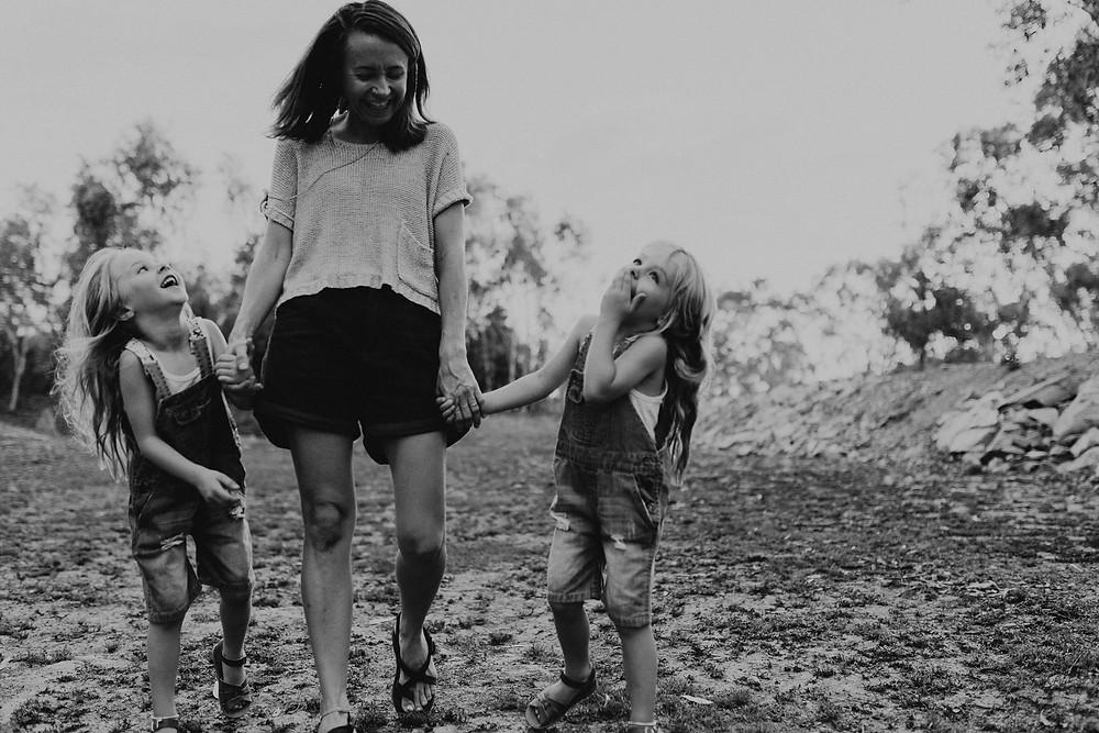 motherhood session photographer Mount Isa