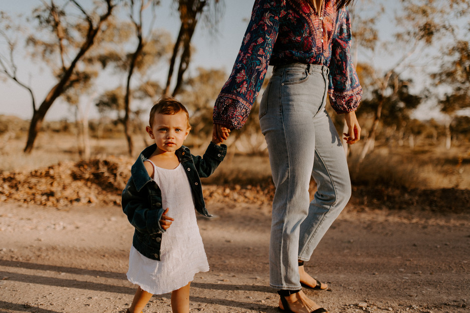 Life is a Journey || Outdoor Motherhood Session