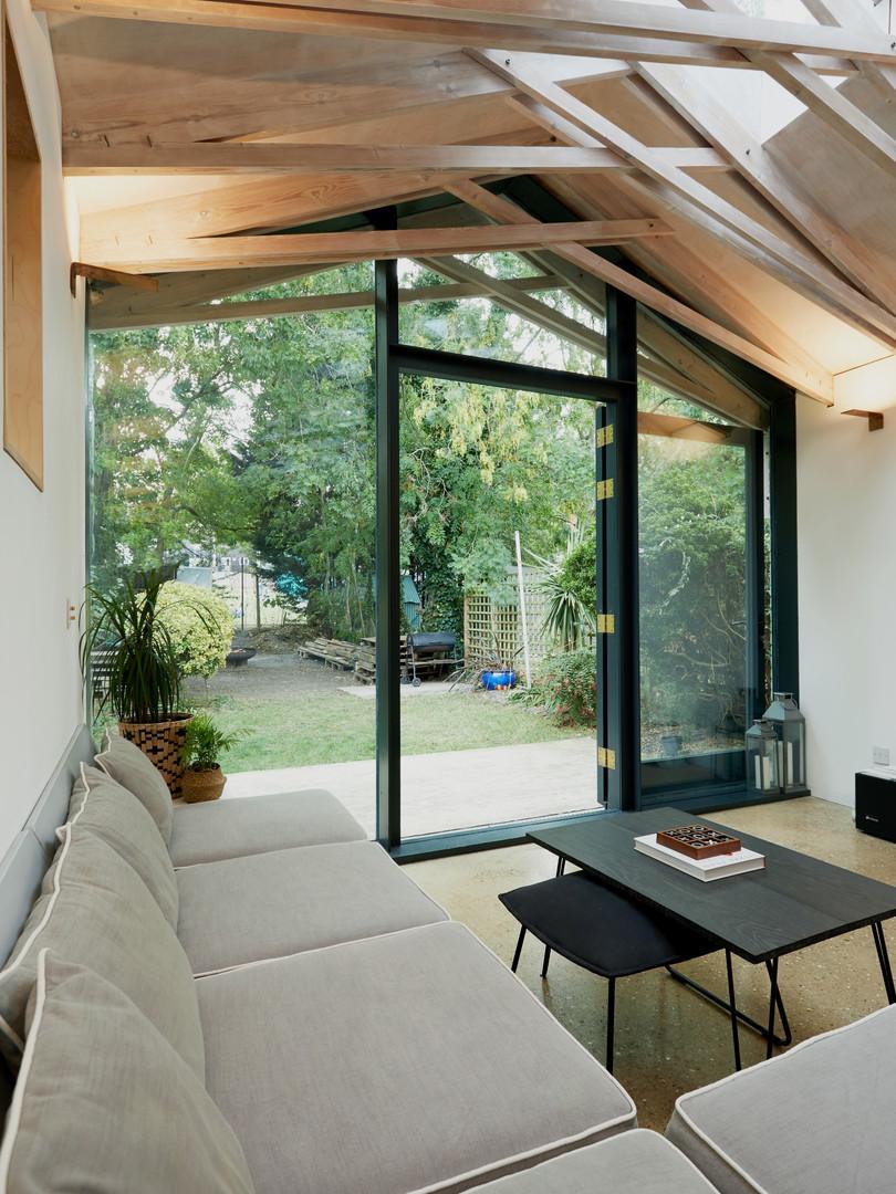 Studio MESH - Scissor Truss House - Livi