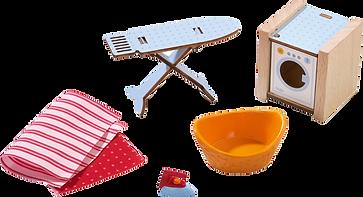 Haushaltsgeräte wie Bügelbrett und Waschmaschine
