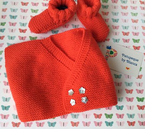 Conjunto de chaleco y patuquines color mandarina