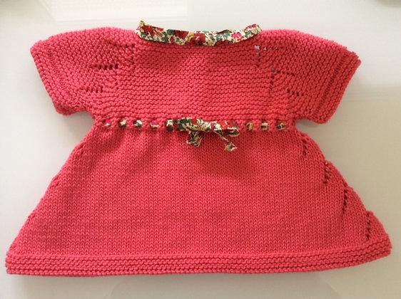 Vestido evasé coral con cinta liberty