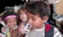 Niño-bebiendo.png