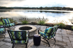 Unilock | Granite Fusion Beacon Hill Smooth and Basalt Copthorth & Unilock | Buff Rivercrest Firepit