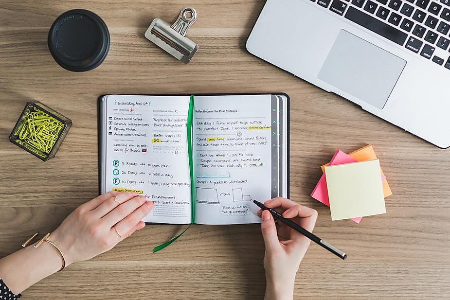 taking-notes-at-desk.jpg