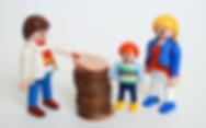 123314696_wwwAlamycom_Playmobil-Money_tr