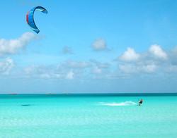 Kitesurf sulla spiaggia