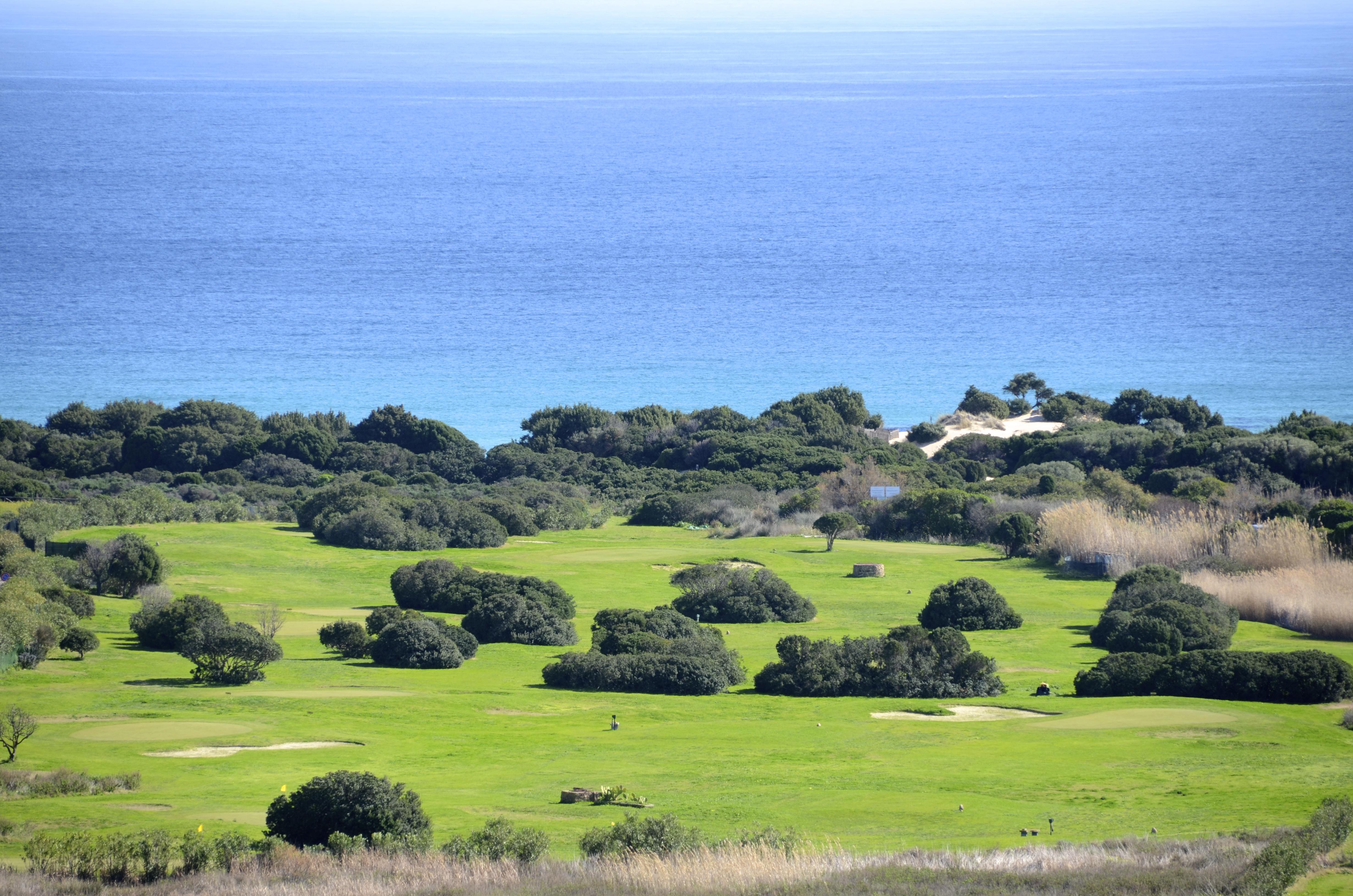 Panorama su golf e spiaggia le dune