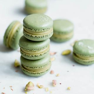 White-Chocolate-Pistachio-Macarons-3.jpg