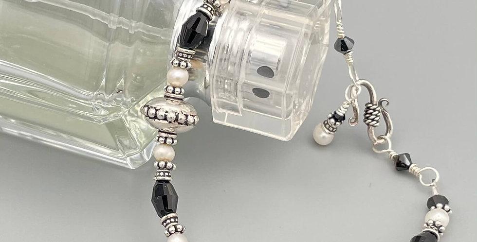 Pearl Nocturne Bracelet