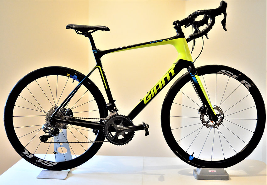 *SOLD* 2017 Giant Defy Advanced PRO 0 - Ultegra Di2 - Carbon Disc Rims