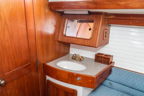 1992 Morgan 45 Center Cockpit Sloop-36.j