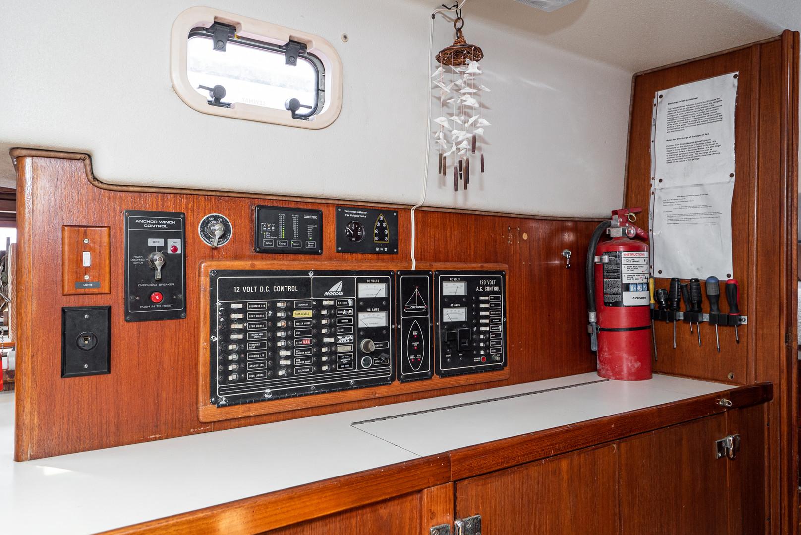 1992 Morgan 45 Center Cockpit Sloop-33.j