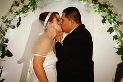 Juan & Tori Kiss