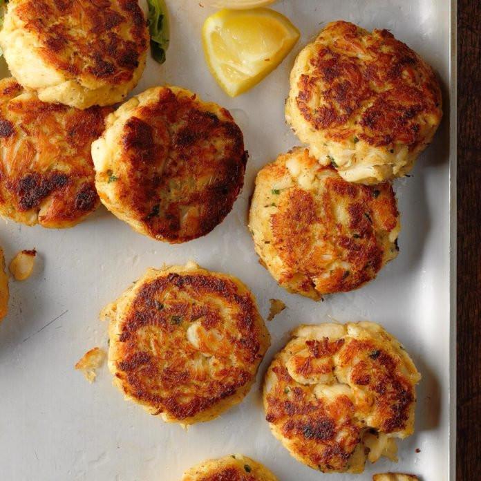 Tangier-Island-Virginia-Crab-Cakes_EXPS_