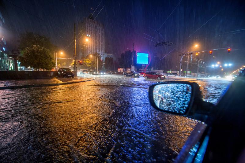 Heavy rain at traffic intersection