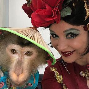 ШОУ дрессированная  обезьянка.jpg