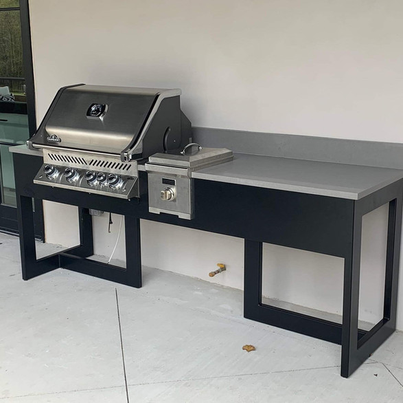 Outdoor cook table