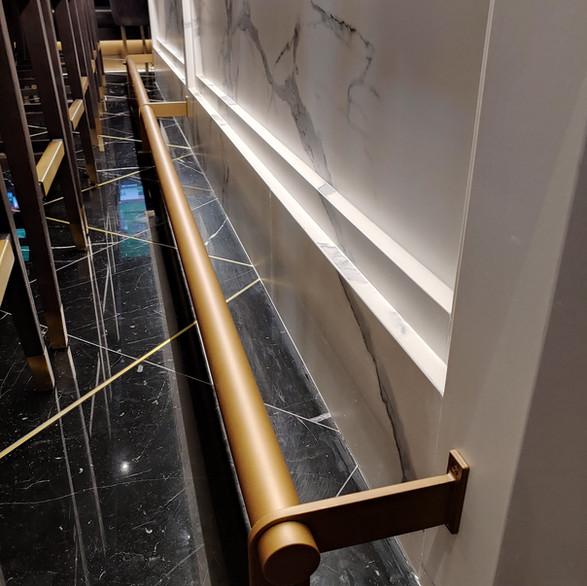 Foot railing