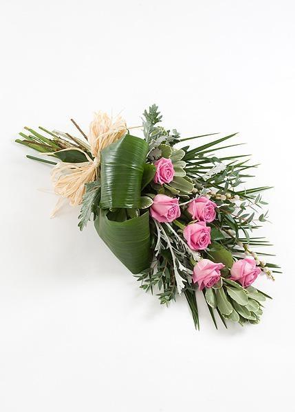 Tied Sheaf of 6 Roses