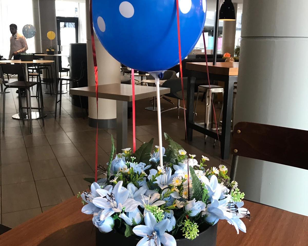 Giraffe Flowers - Events 5.JPG