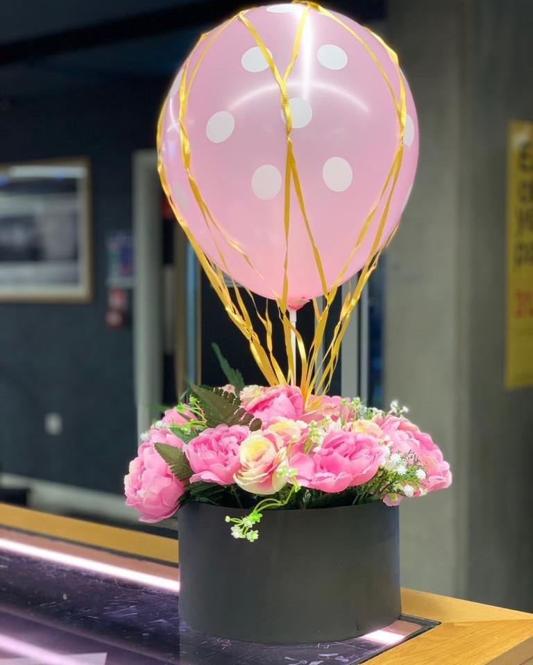 Giraffe Flowers - Events 6.JPG