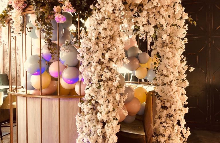 Giraffe Flowers - Events 10.JPG