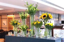 giraffe-flowers-corporate-venue-flowers.