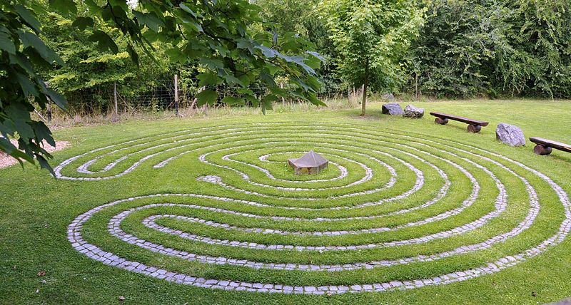 DAO und Labyrinth