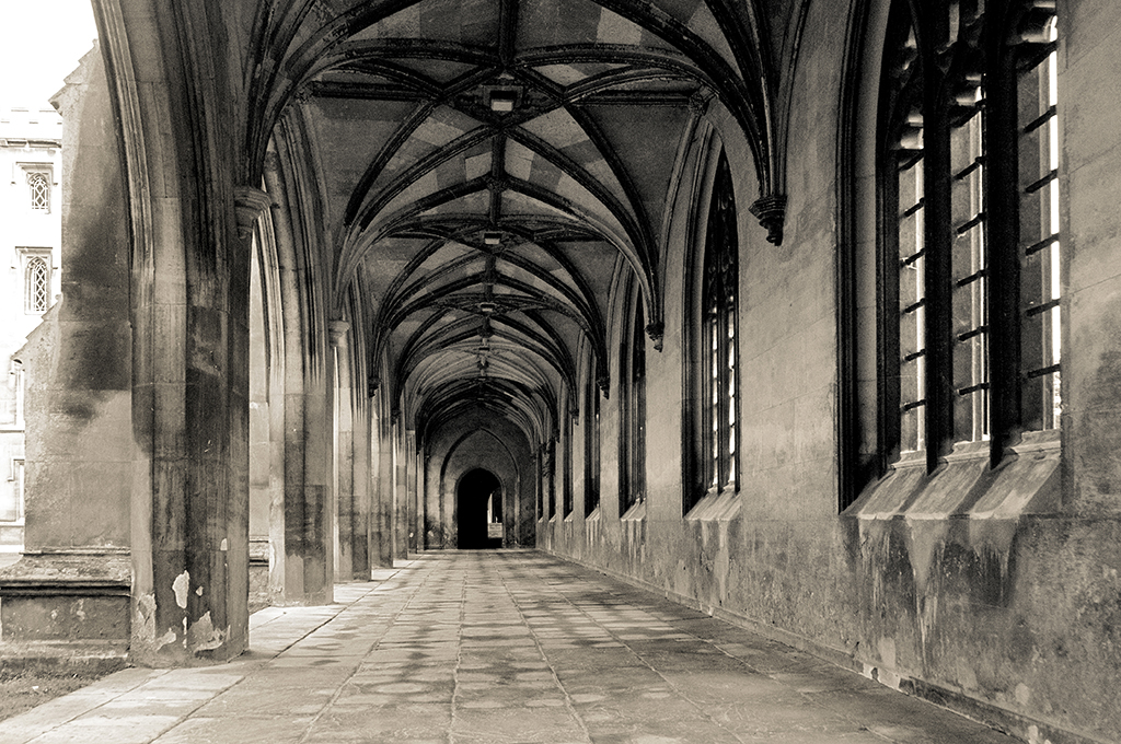 Cambridge cloisters 1.jpg