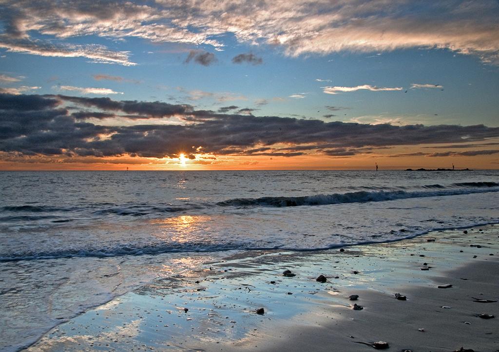 Glenelg sunset.jpg