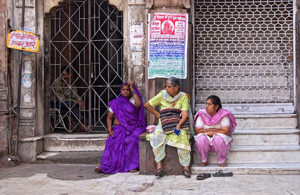 Delhi street scene.jpg