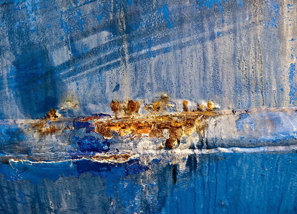 rusting boat.jpg