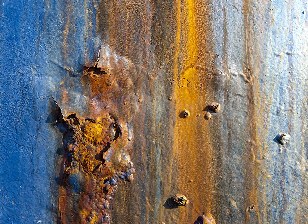 rusting boat 2.jpg