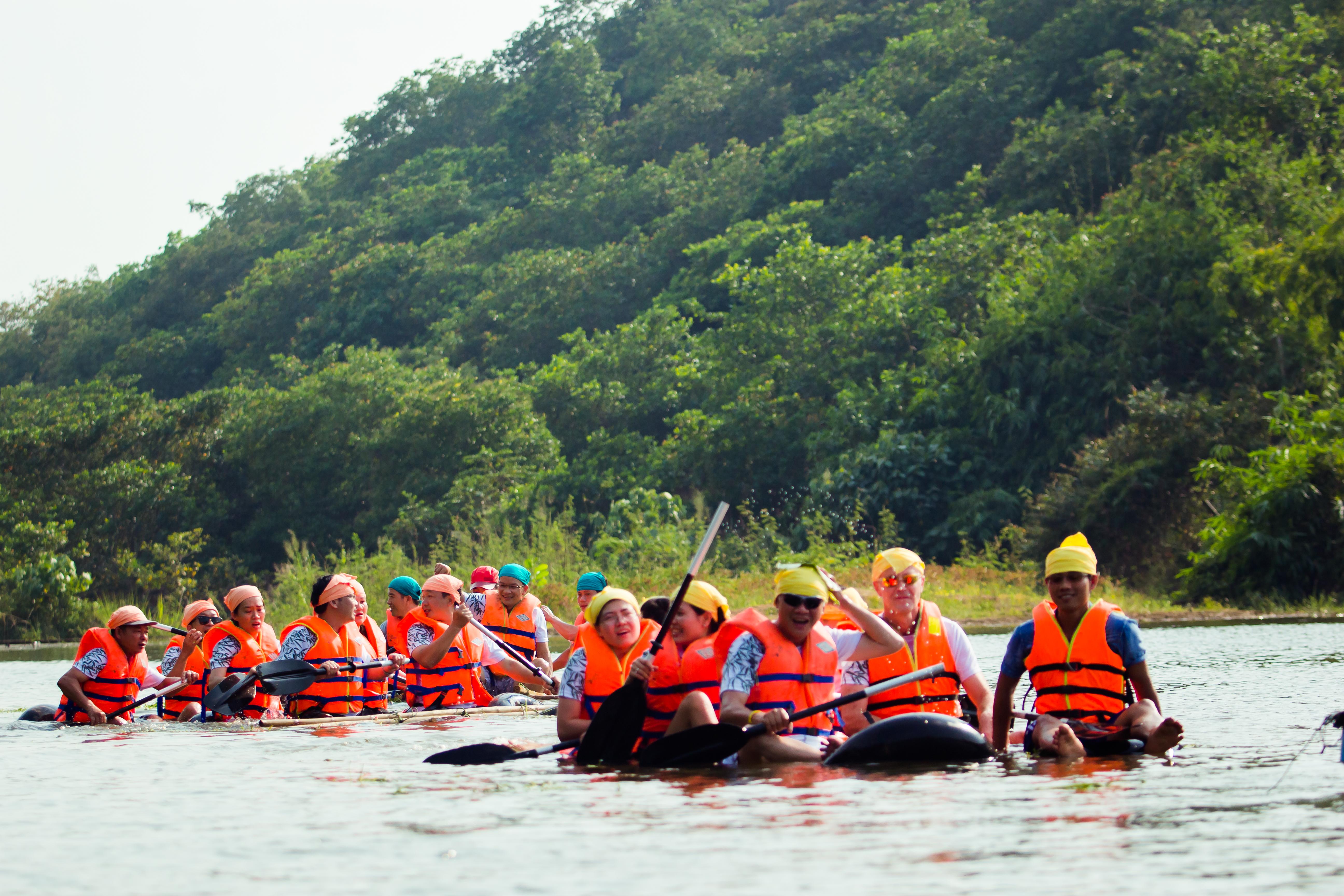 Bamboo raft building