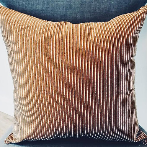 "Pillows ""Moxie"" w/19"" insert (Chenille/brown)"