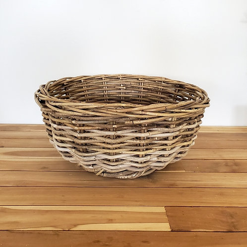 Round rattan bowl