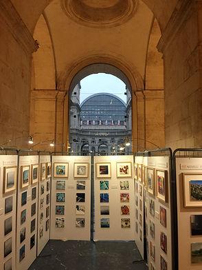 exposition Les 111 des Arts Lyon dans l'Atrium de l'Hôtel de Ville