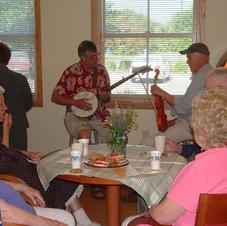 Pergola Party Musicians, Millstream Commons