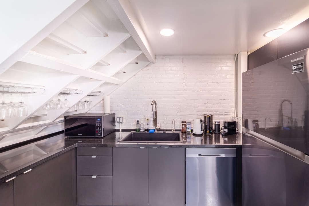 ES Kitchen.jpg
