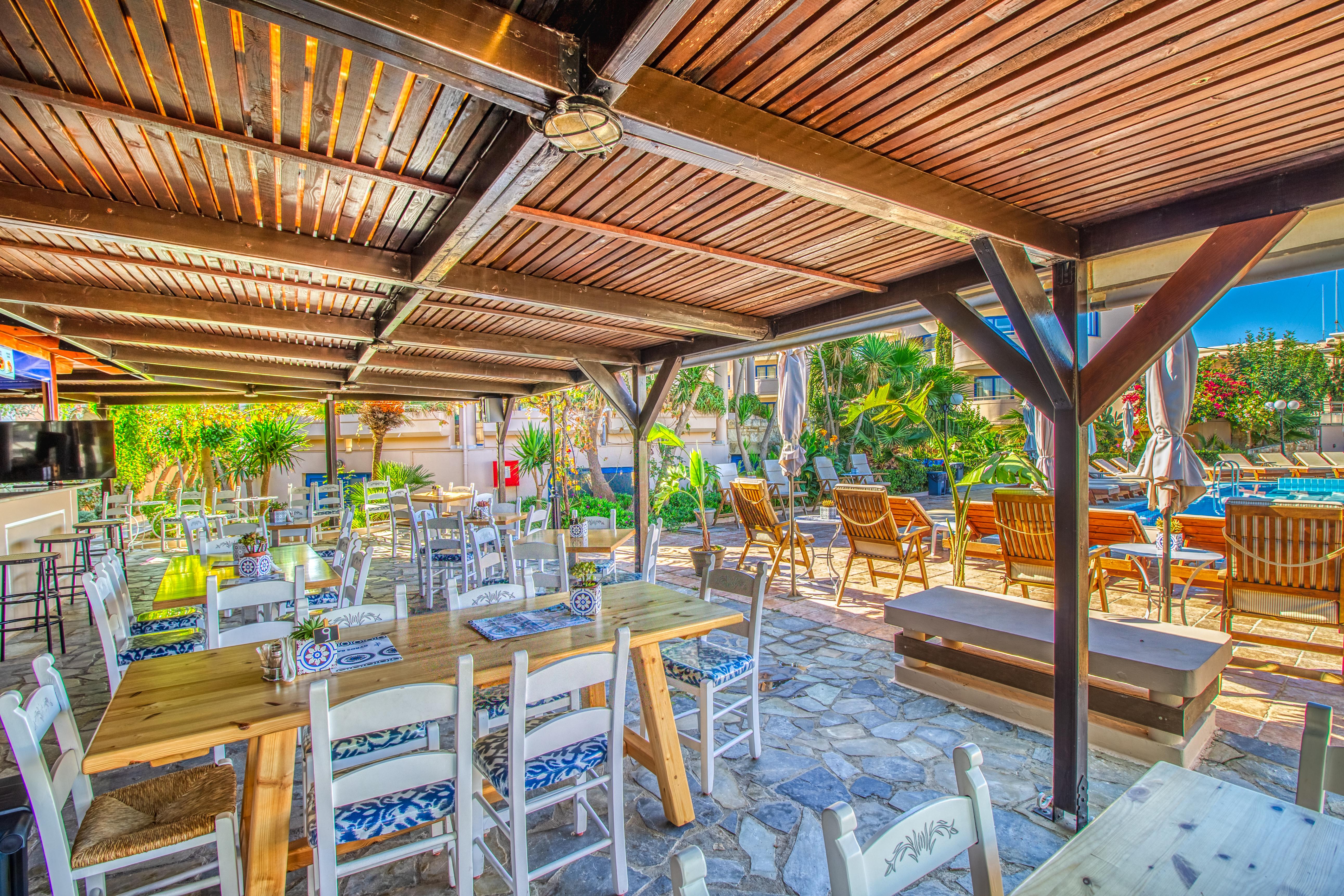 Gyros Bar Isida residence_