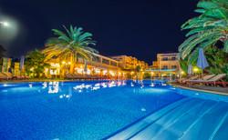 Isida residence superior pool 1