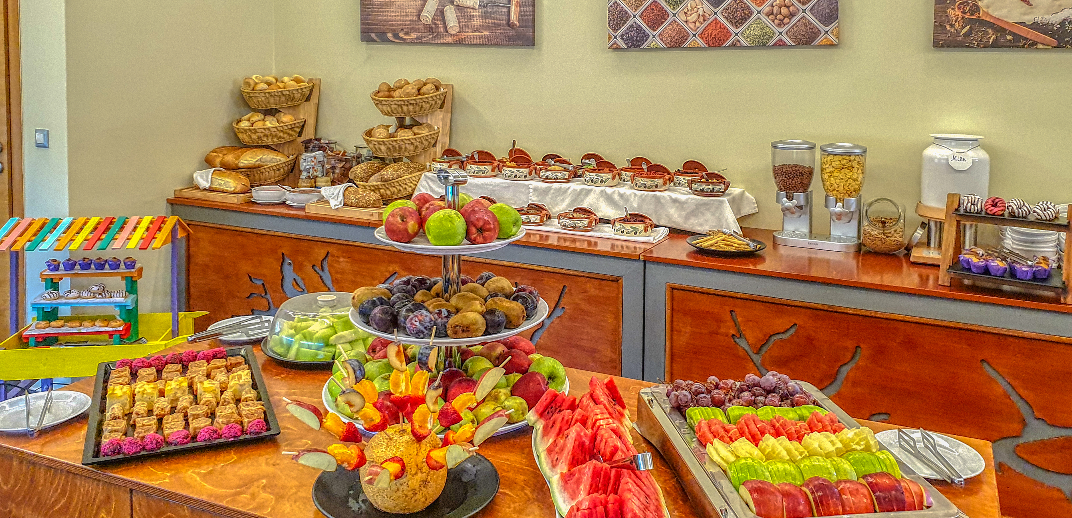 BLUE STAR ISIDA HOTEL BREAKFAST BUFFET-E